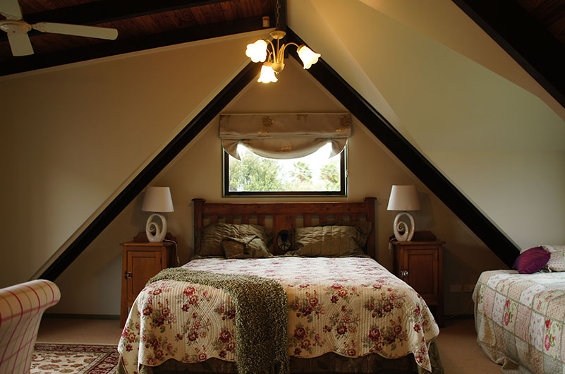 Cultural Luxury Escapes - Aroha Farmhouse Bedroom